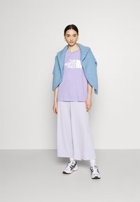 The North Face - EASY TEE - T-shirts med print - sweet lavender - 1