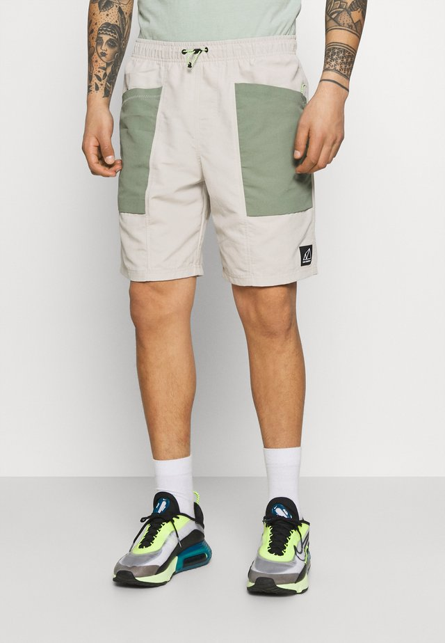 ALL TERRAIN - Shorts - timberwolf