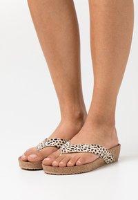 Lazamani - Flip Flops - beige - 0