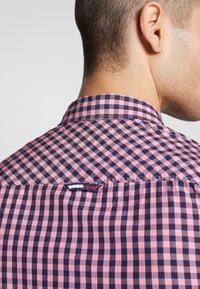 Tommy Jeans - OVERDYE - Shirt - pink/twilight navy - 4