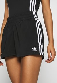 adidas Originals - Shorts - black/white - 4