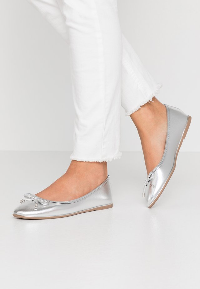 PARTY METAL RAND - Ballet pumps - silver