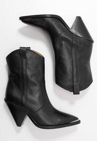 Toral - Botines de tacón - black - 3
