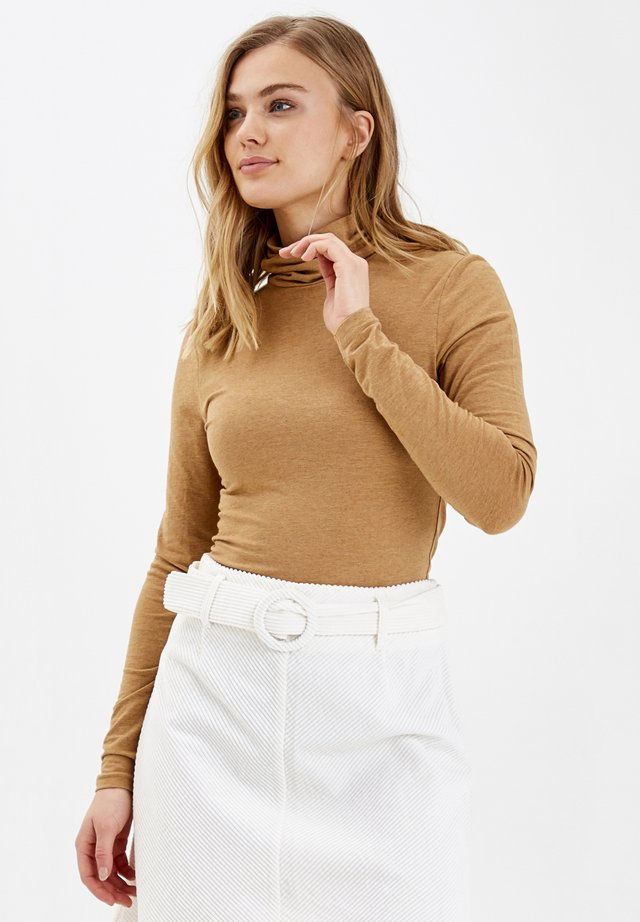 PAMILA - Long sleeved top - mel. golden sand