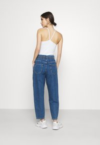 ONLY - ONLPLEAT CARROW - Jeans baggy - medium blue denim - 2
