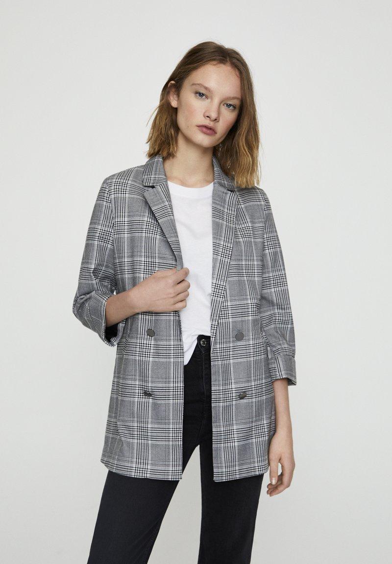 PULL&BEAR - Krátký kabát - grey