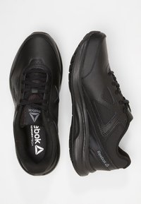 Reebok - ULTRA 6 DMX MAX - Walking trainers - black/alloy - 1
