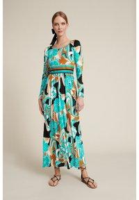 Luisa Spagnoli - Maxi dress - var turchese/geometrico - 0