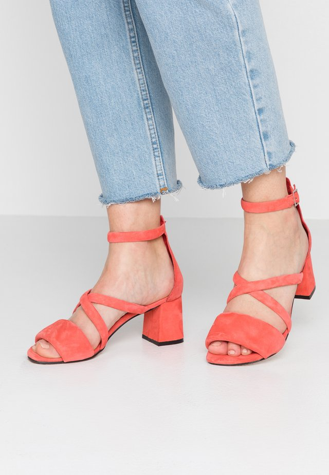 MAY PUFF - Sandals - red
