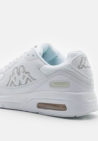 Kappa - HARLEM II UNISEX - Zapatillas de running neutras - white/grey - 5