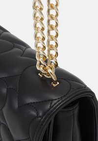 Love Moschino - HEART QUILTED SHOULDER BAG - Taška s příčným popruhem - nero - 4