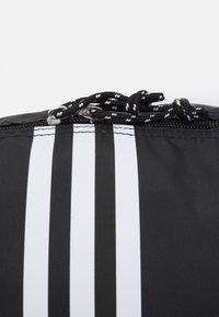 adidas Originals - SHOULDER UNISEX - Torba sportowa - black/white - 3