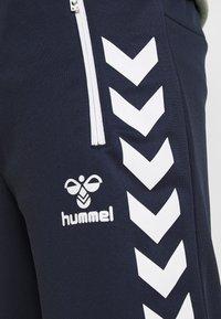 Hummel - HMLXANDER SHORTS - Sports shorts - black iris - 4