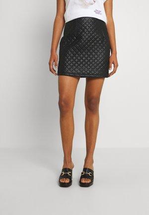 VOMAI COATED PATTERN SHORT SKIRT - Mini skirt - black