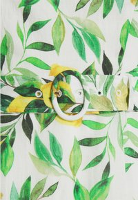 Forever New Petite - NIKKI BARDOT MIDI DRESS - Sukienka letnia - summer lemon - 2