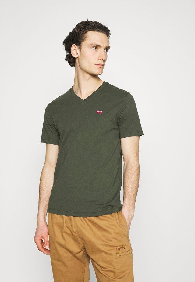 VNECK - T-shirt basic - greens