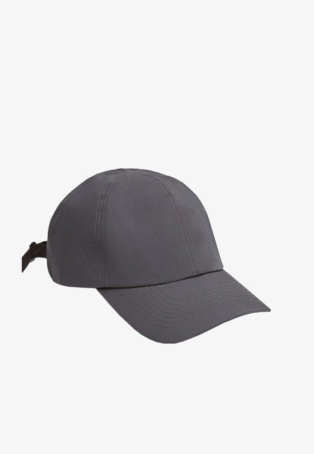 MIT STEPPNÄHTEN  - Pet - dark grey
