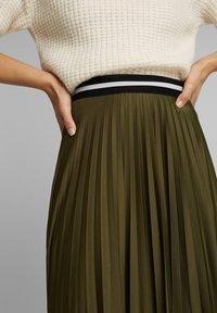 Esprit - MIT ELASTIK-BUND - A-line skirt - khaki green - 3