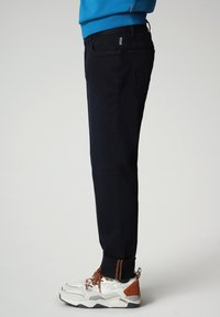 Napapijri - MEROS - Trousers - blu marine - 4