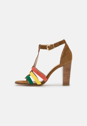 AURIANA - Sandály - cannelle/multicolor