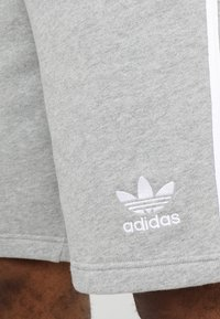 adidas Originals - 3 STRIPE UNISEX - Trainingsbroek - medium grey heather - 5