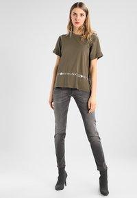 Herrlicher - PIPER SLIM - Slim fit jeans - dark ash - 1