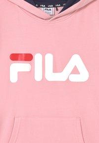 Fila - ANDREY CLASSIC LOGO HOODY UNISEX - Jersey con capucha - coral blush - 2