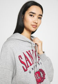Even&Odd - OVERSIZED CROPPED PRINTED HOODIE - Jersey con capucha - mottled light grey - 3