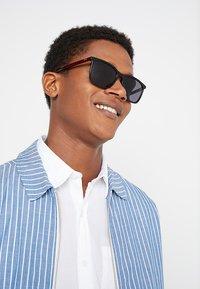 HUGO - Sunglasses - black/red - 1