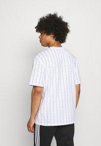 Karl Kani - SIGNATURE LOGO TEE - T-shirt con stampa - white - 2