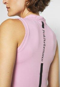 Peak Performance - TURF ZIP  - Polo shirt - statice lilac - 6