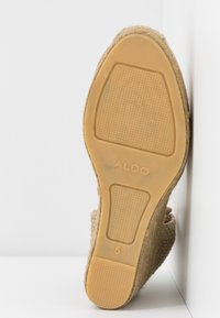 ALDO - MUSCHETT - Wedge sandals - bone - 6