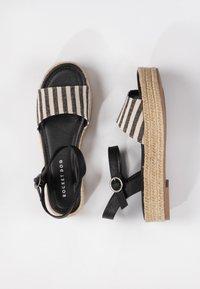 Rocket Dog - ESPEE OLYMPUS - Korkeakorkoiset sandaalit - black - 2