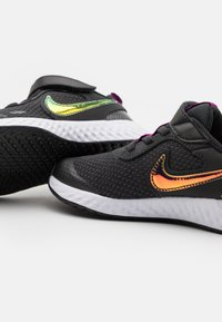 Nike Performance - REVOLUTION 5 POWER UNISEX - Neutral running shoes - off noir/multicolor/red plum/white - 5