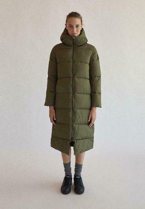 LENNOX - Winter coat - verde