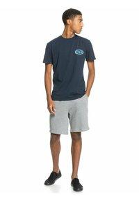 Quiksilver - ISLE OF STOKE - Print T-shirt - navy blazer - 1