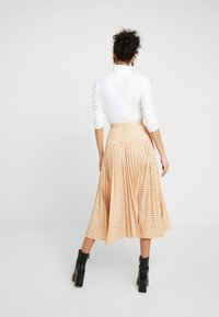 Closet - PLEATED MIDI SKIRT - A-line skirt - apricot - 2
