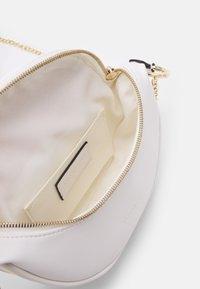 Seidenfelt - SKIEN - Across body bag - white - 2