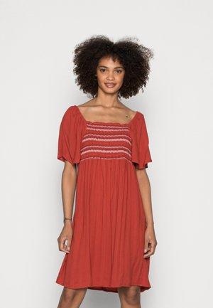DRESS - Sukienka letnia - terracotta