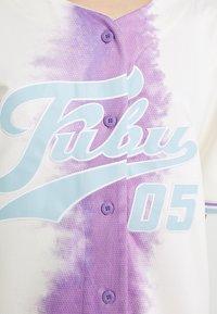 FUBU - VARSITY TIE DYE BASEBALL - T-shirt con stampa - white - 6