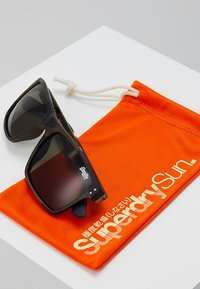 Superdry - YAKIMA - Sunglasses - khaki/black - 2
