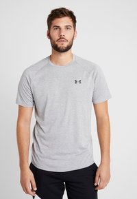 Under Armour - HEATGEAR TECH  - T-shirt med print - steel light heather/black - 0