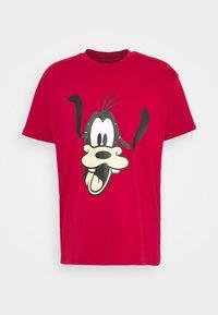 DISNEY MICKEY AND FRIENDS TEE - T-shirt imprimé - crimson