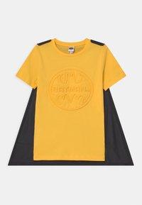 OVS - BATMAN - Print T-shirt - lemon chrome - 0