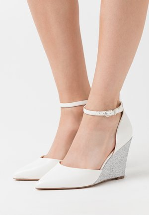 LEONE - Zapatos altos - white
