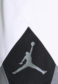 Jordan - DRY AIR DIAMOND SHORT - Sports shorts - white/black/smoke grey - 5