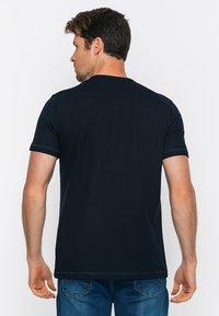 Basics and More - T-shirt - bas - navy - 1