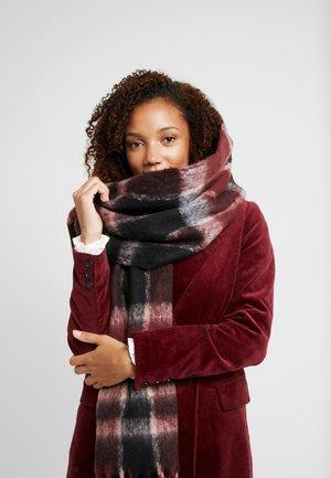 Šátek - tawny port