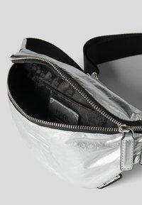 KARL LAGERFELD - Bum bag - silver - 3