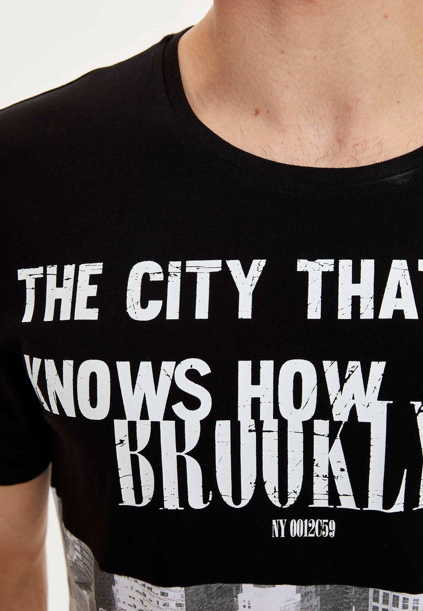 DeFacto Print T-shirt - black TLSEu